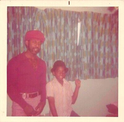 COOL CATS - 70s FASHION MAN & BOY SON BLACK AFRICAN AMERICAN HATS VTG PHOTO 175 - 70s Boy Fashion