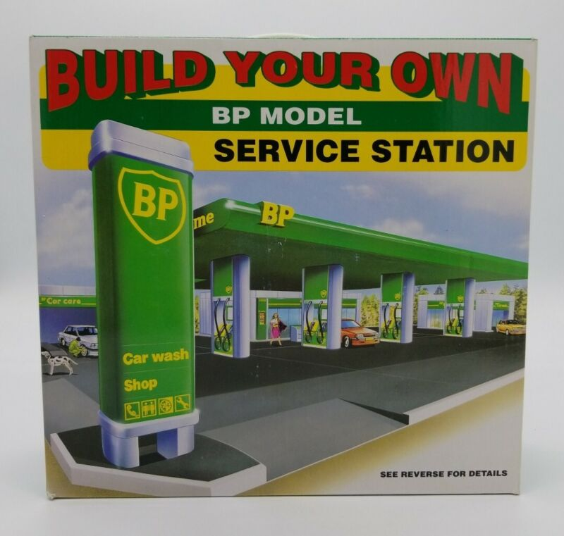 BP Model Build Your Own Service Station 1995 Edition Canopy Gas Pumps Car Wash
