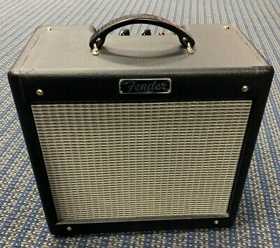 USED FENDER PRO  JR III. Excellent Condition.