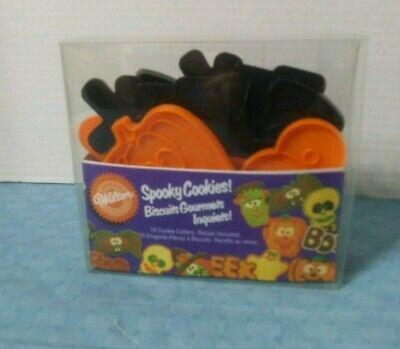 Spooky Halloween Cookies (Wilton HALLOWEEN Spooky Cookies! Cookie Cutters 10 Pack Plastic)