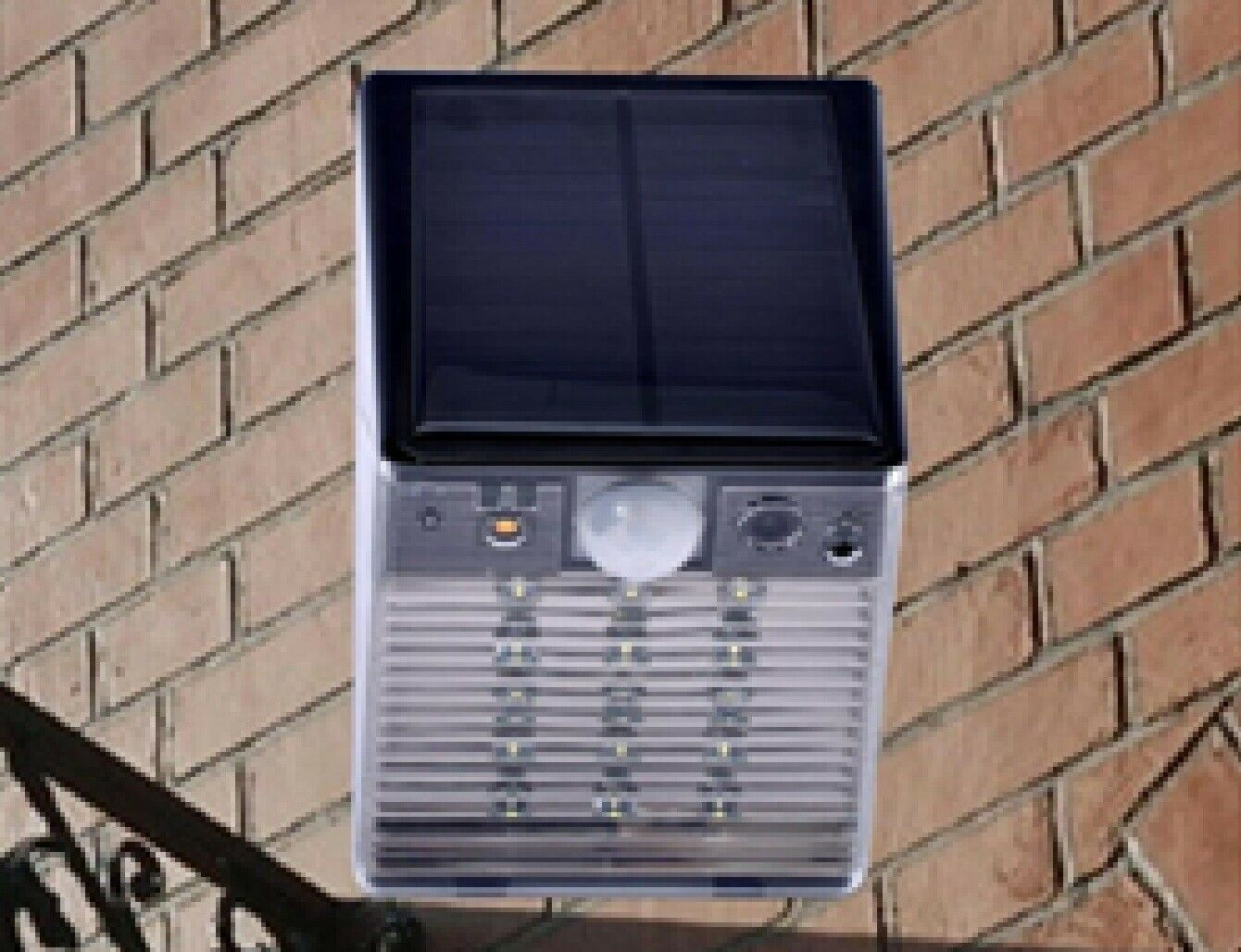Waterproof Solar Motion Sensor LED Light with Security Camer