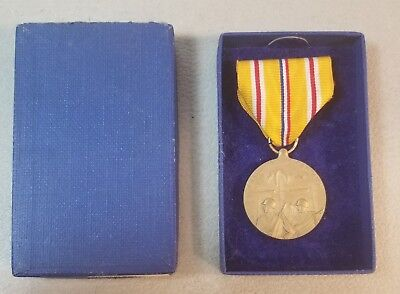 VINTAGE WW2 NAVY MEDAL ASIATIC  PACIFIC CAMPAIGN  MEDAL  68B