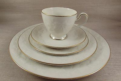 Noritake Ivory China HALLS OF IVY  #7341 Gold - Five Piece Place (Place Setting Noritake China)