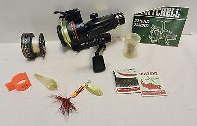 MItchel 2330 RD LIghtning Cast Reel in Box Extras Circa 1984