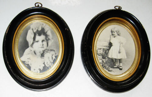 """PAIR OF ANTIQUE MINIATURE OVAL WOOD FRAMES 5 1/4"""" X 4 1/4"""" PRETTY GIRLS PICTURES"""