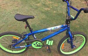 Boys BMX bike ages 8-11.