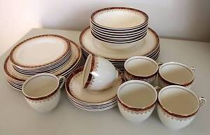 VINTAGE ALFRED MEAKIN 36PCE DINNER SET Reduced Freshwater Manly Area Preview