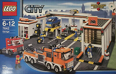 LEGO City Garage (7642) - New in Box - Rare & Retired - Factory Sealed