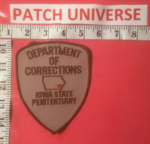 DEPT OF CORRECTIONS IOWA STATE PENITENTIARY SHOULDER  PATCH J111