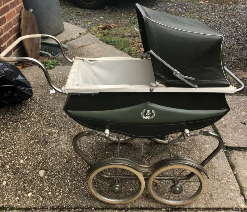 VINTAGE BILT RITE BABY CARRIAGE COLOR GREEN