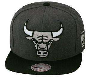 e3b8cc55af7 Mitchell   Ness Chicago Bulls Snapback Hat Cap Dark Heather Grey Black Silver  XL