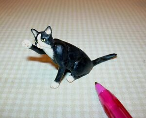 Miniature-Sitting-Cat-w-Raised-Paw-Black-w-Socks-DOLLHOUSE-Miniatures-1-12