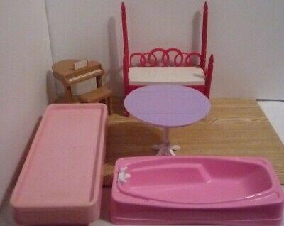 DISNEY Hannah Montana PIANO BARBIE Furniture BRATZ bed Bathtub Bed Dining Table
