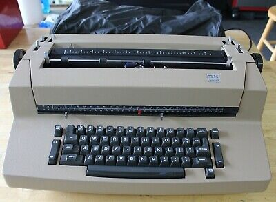 Vintage Ibm Correcting Selectric Ii Electric Typewriter Biege - Powers On