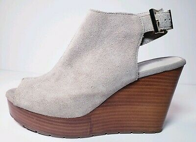 KENNETH COLE New York Octavia Suede Peep Toe Tan Wedge Sandals Shoes! Size 8.5 - Kenneth Cole Suede Sandals