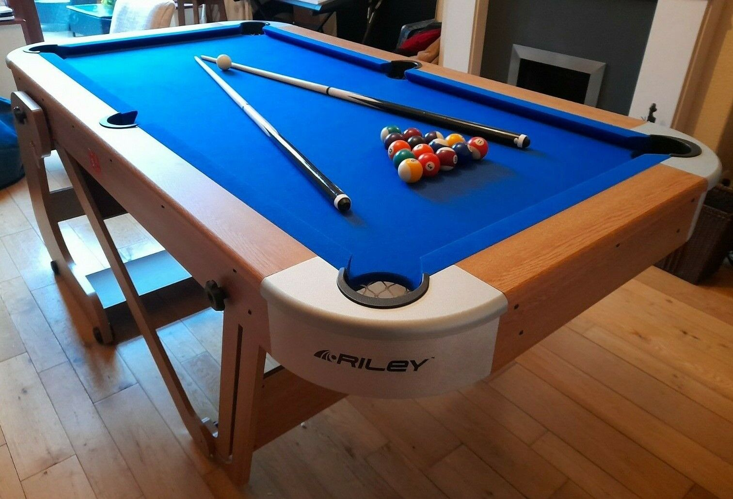 BCE Riley 6Ft 6In Vertical Folding Pool Table