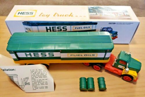 1975 HESS TRUCK with Inserts,  Instructions, 3 Barrels, Working Lights, Box MINT