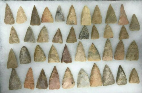 Ancient Native American Arrowheads / Points - Set of 40 - RRNA105