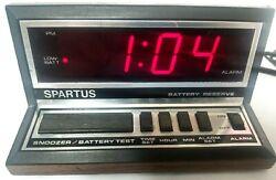 Vintage Retro Spartus 1140 Digital LED Alarm Clock Faux Wood Grain Classic Sound