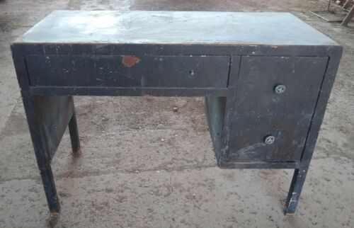 "VINTAGE SIMMONS FURNITURE Metal Desk Table 31""H x 21"" x 44"""
