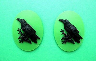 2 BLACK BIRD GOTH CROW RAVEN on GREEN Color 40mm x 30mm Costume Jewelry CAMEOS