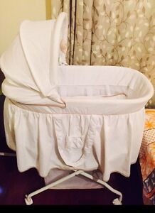 Love n Care baby bassinet Westmead Parramatta Area Preview