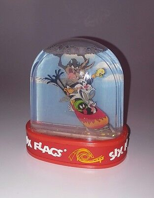 Six Flags  Tm  Warner Bros Entertainment  S12  Snow Globe
