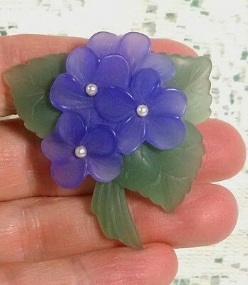 Vintage signed AVON VIOLET FLOWER PIN Purple Plastic Faux Pearl Jewelry Brooch