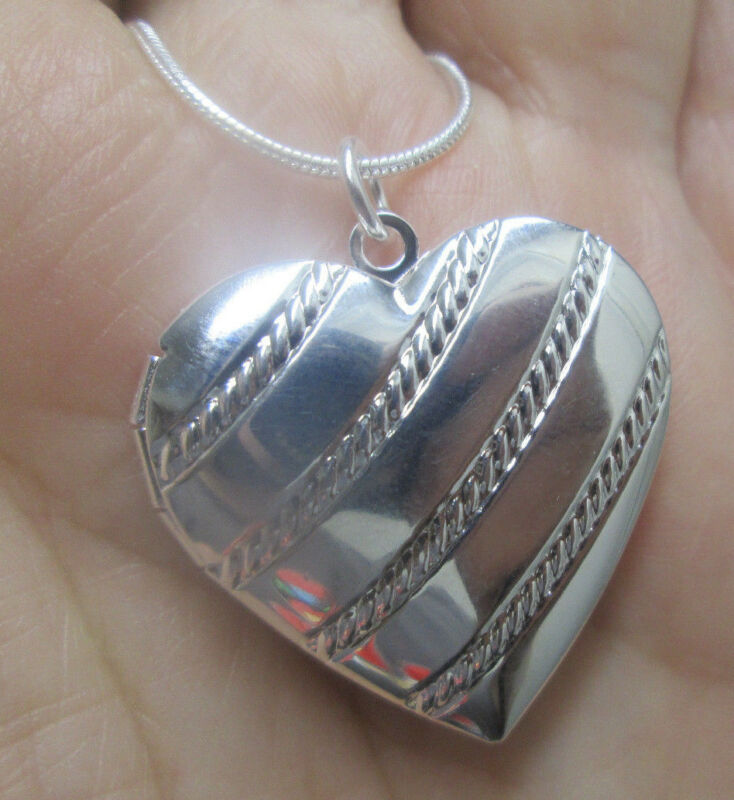 Sterling Silver Heart Shaped Locket Pendant with Diagonal Parallel Pattern