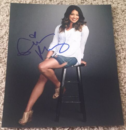 GINA RODRIGUEZ SIGNED AUTOGRAPH JANE THE VIRGIN 8x10 PHOTO B w/PROOF
