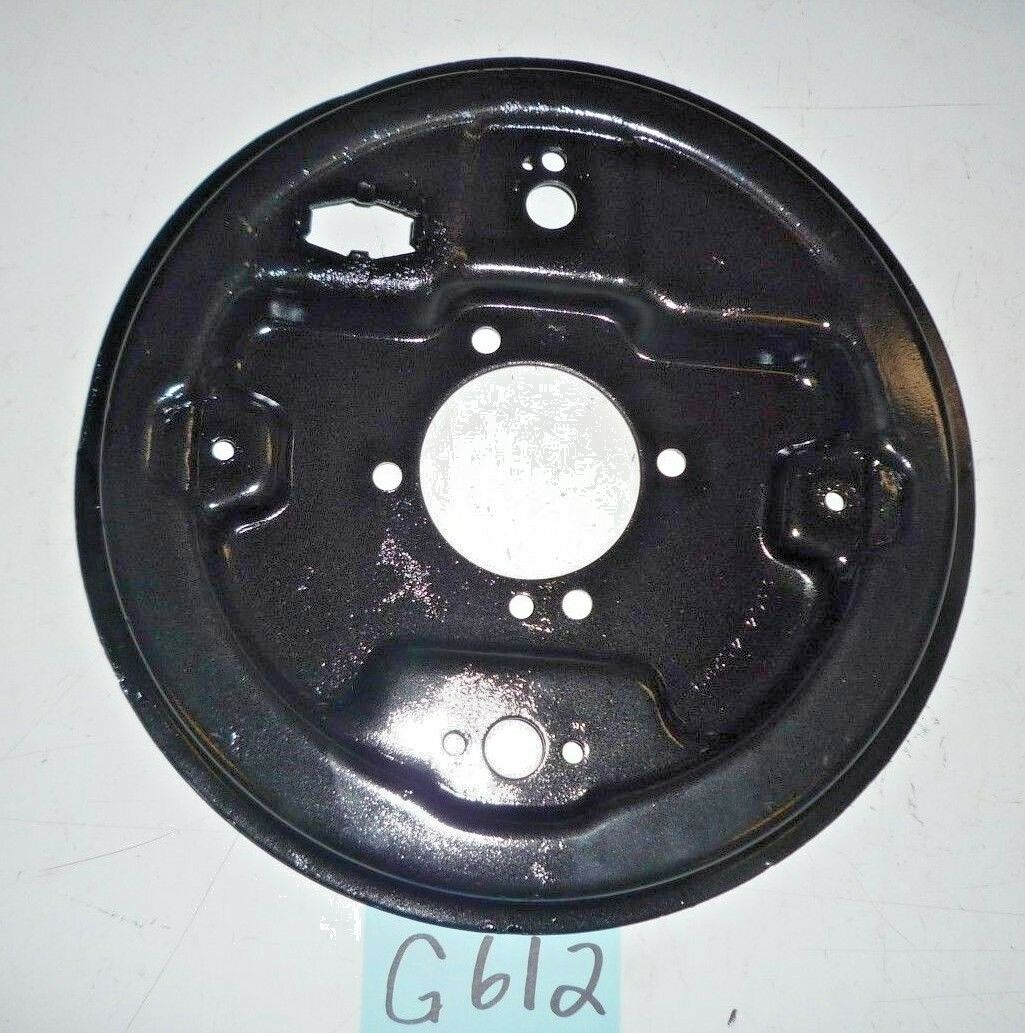 USED ... '68 - '80 MGB W/ TUBED AXLE RIGHT SIDE REAR BRAKE BACKING PLATE    G612