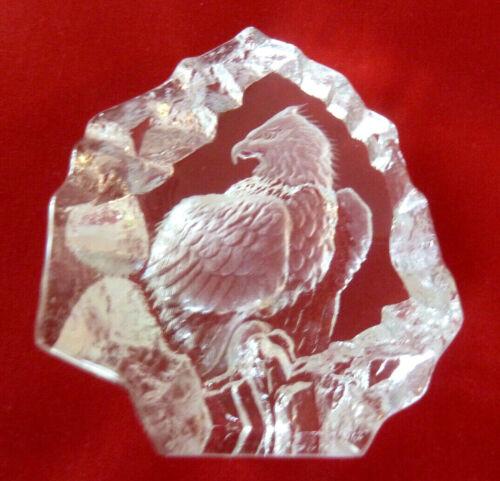 Mats Jonasson Sweden Engraved Lead Crystal Bald Eagle Paperweight Desk Sculpture