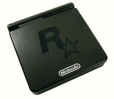 Keine GB-SP-Variante ist rarer und begehrter als die schwarze Rockstar-Special-Edition. (© Gameplan.de)
