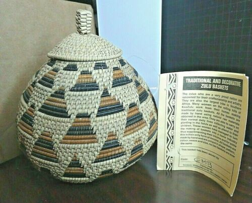 """Zulu Ukhamba Basket 6.5"""" tall x 6"""" wide- made in South Africa w/ story tag"""