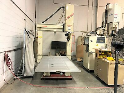 Thermwood Model C 67 5 X 10 Table 5 Axis Cnc Router