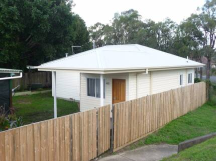 Room with ensuite in Rydalmere/Dundas - Available 30 March