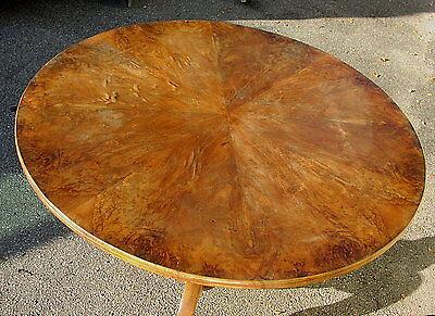 Antiker Nussbaum Tisch 19 Jahrhundert rund