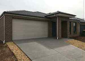 New 4 bedroom house  for rent Brookfield Melton 40 mins to CBD Brookfield Melton Area Preview