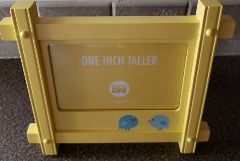 """Martha Stewart Everyday """"One Inch Taller"""" Yellow Wooden Picture Frame 6""""x4"""" NWT"""