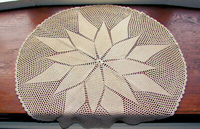 Vintage (1970s) Large Round Crochet Doily/Tablecover/Mat (64cm/25