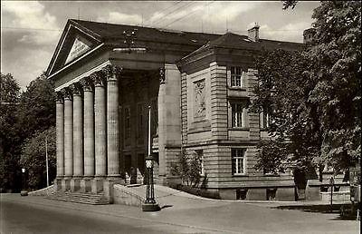 Meiningen Thüringen DDR s/w AK 1967 Straßenpartie am Theater Eingangsportal