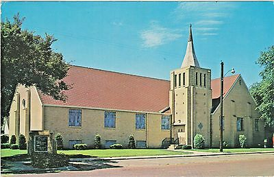 First Baptist Church in Larned, Kansas at 10th and Broadway - Founded in 1875