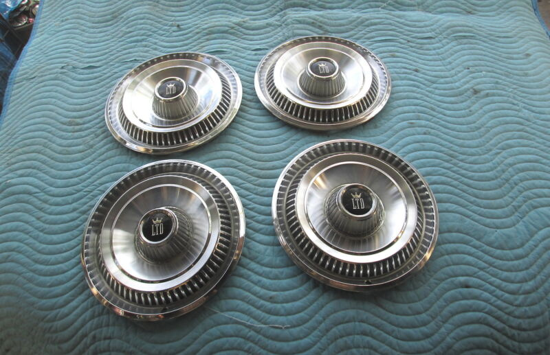 """Vintage 1967 Ford LTD 15"""" HubCaps Hub Cap Set Of 4 Very Good Condition"""