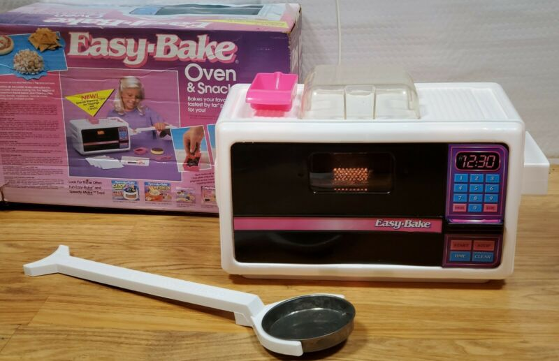 Original Easy Bake Oven and Snack Center 1994 Vintage w/ Accessories. Clean!