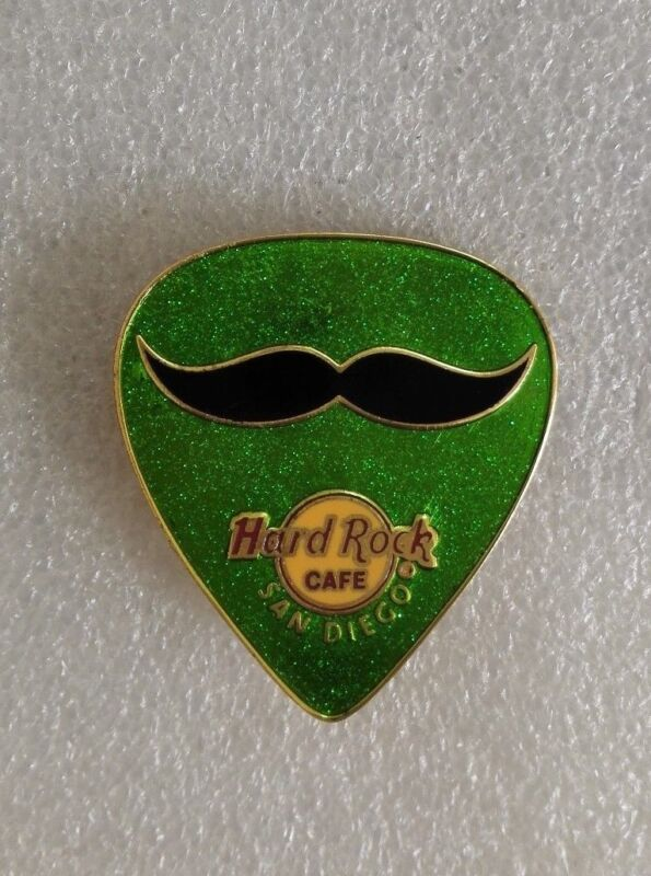 HARD ROCK CAFE SAN DIEGO GUITAR GREEN PICK PIN LE300