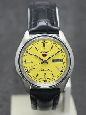 Vintage Seiko 5 Automatic Movement No. 7009 Japan Made Men's Watch.