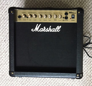 Marshall MG15 DFX Amp