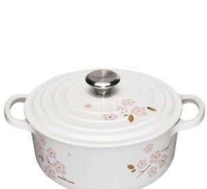 Le Creuset white Sakura 4.5qt round cast iron