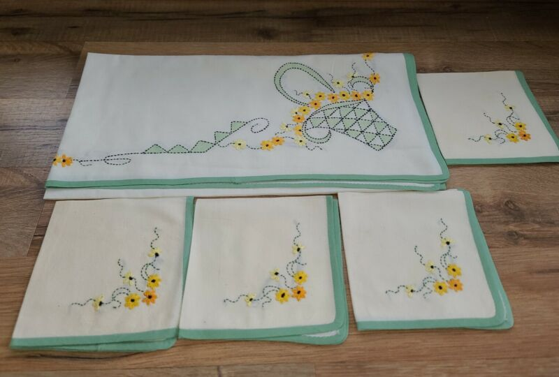 Antique Table Linens 4 Napkins And small square Table cloth Flower Basket(r)
