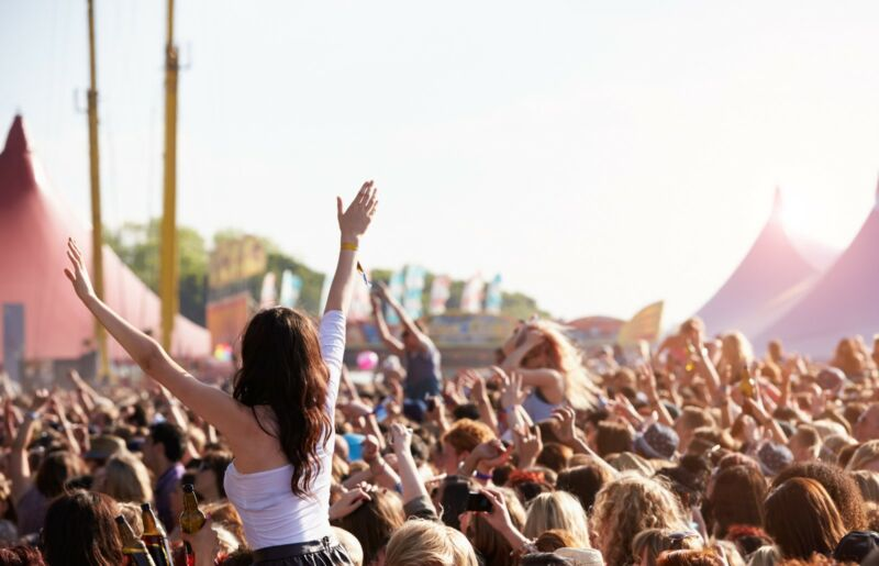Be prepared to the hit the festivals like a pro this year!